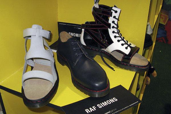 Коллекция обуви 2009 от Рафа Симонса (Raf Simons) для Dr. Martens,