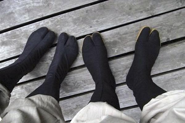 Новогодние скидки на всю одежду и обувь Ninja Shoes