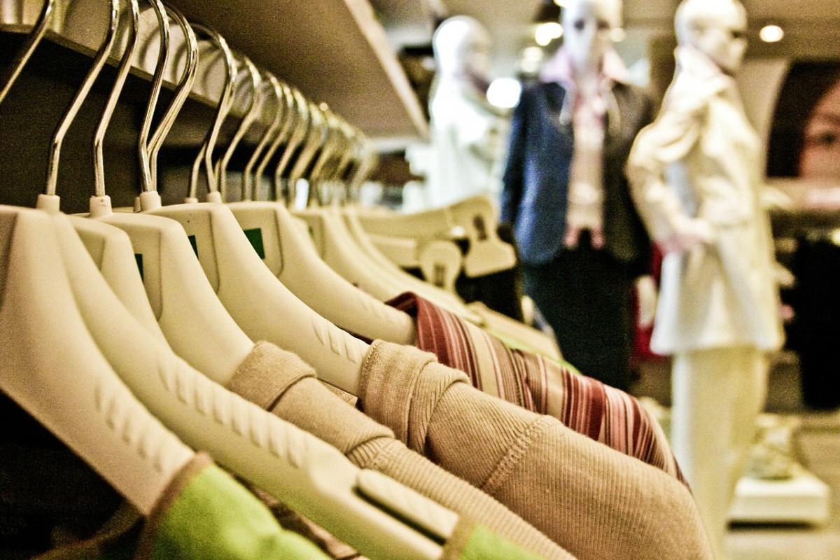 Российские ритейлеры ожидают падения спроса на одежду