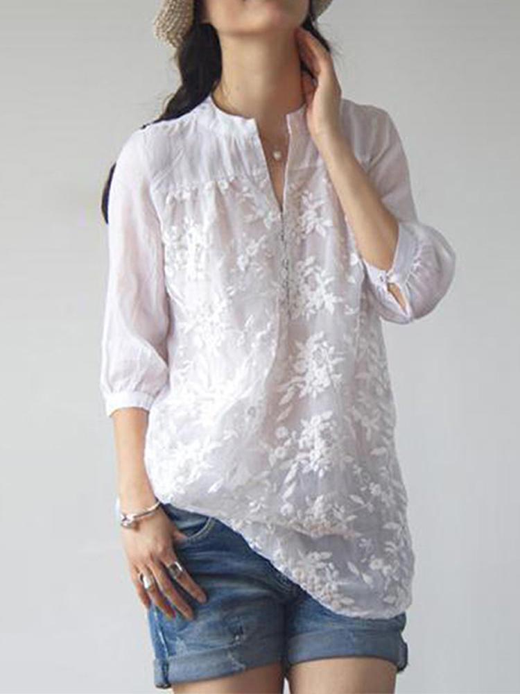 Женская блузка с v-образным вырезом и рукавами 3/4 с цветочной вышивкой